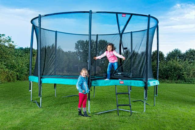 trampolines berg. Black Bedroom Furniture Sets. Home Design Ideas